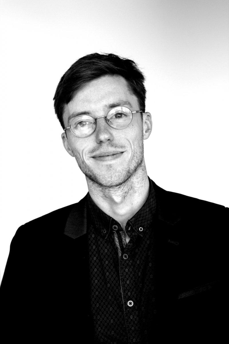 Timour Scrève, M.A.Analyste principal, stratégie d'impact social,Credo