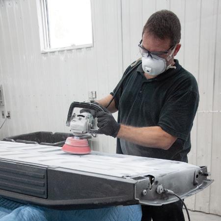 Appliquer en toute sécurité un revêtement de protection pour boîte de camionnette