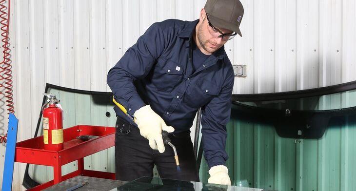 Un travailleur gravement brûlé lors d'une découpe de vitre laminée